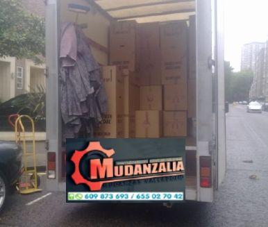 Ofrece servicio de transportes en Llano de Olmedo Valladolid